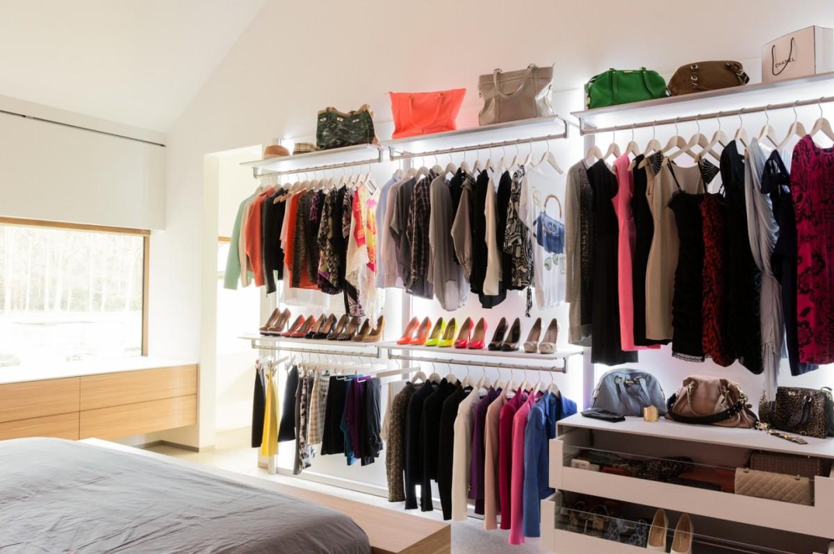 se retrouver dans son dressing m me dans un petit espace ma deco maisons. Black Bedroom Furniture Sets. Home Design Ideas
