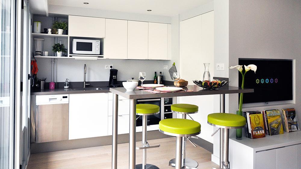 Une petite cuisine bien rang e c 39 est faisable ma deco maisons - Cuisine pour petite surface ...